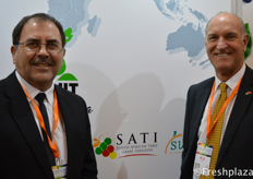 Willem Bestbier and Dawie Moelich from South African Table Grape Industry (SATI). Their company represents the South African table grape industry. //南非食用葡萄产业协会 (SATI)的Willem Bestbier和Dawie Moelich。他们的公司代表南非的食用葡萄产业。