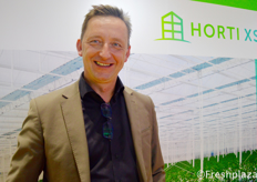 Robert van der Lans from Horti XS. They are a total solution greenhouse specialist.来自Horti XS的Robert van der Lans。他们是一个全面解决温室问题的专家。