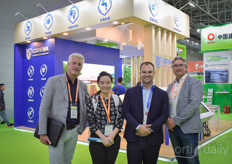 Marc Staring and Peter Lexmond do great business in China (https://www.hortidaily.com/article/9136332/on-site-roll-forming-of-growing-gutters-helps-chinese-horticulture-develop/). While visiting the show they ran into Jessie Zhang with Kingpeng & Jelmer Huizing with Codema.