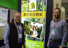 John Tyas and Andrew Serra of Avocados Australia. Australia is hopeful to receive market access to China in the near future. // 澳大利亚鳄梨协会的John Tyas和Andrew Serra。澳大利亚希望在近期获得至中国市场的准入。