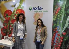 Melissa Bontekoe and Jessica Chen from Dutch seed company Axia // 来自荷兰育种公司Axia的Melissa Bontekoe和Jessica Chen