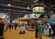 Clemen Gold has a lot of visitors on their booth. // Clemen Gold在他们的展位迎来了大批到访者。